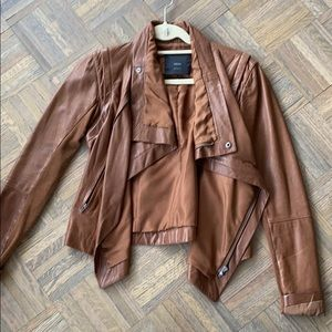 Veda brown leather jacket in size medium